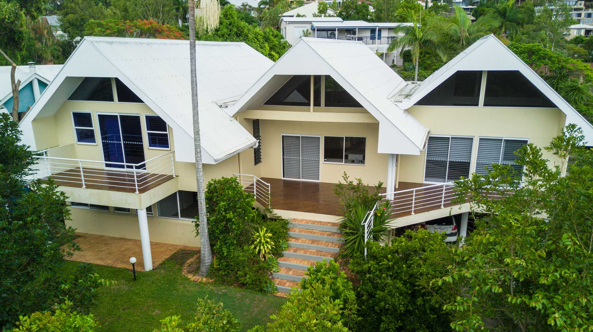 Aerial drone photography Brisbane real estate. DroneAce captures image of home for sale in Bardon, Brisbane