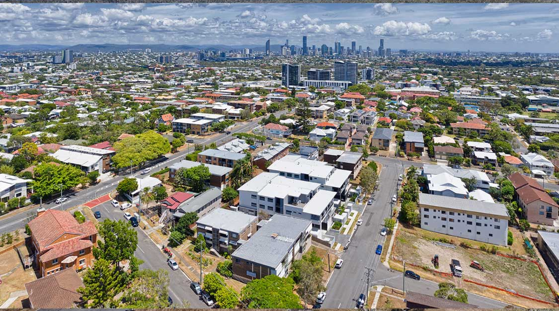 Drone photography at 70m above Coorparoo looking towards Brisbane CBD